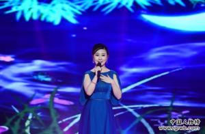 青年歌手步欣浓参加中国乐坛五一国际盛典颁奖晚会