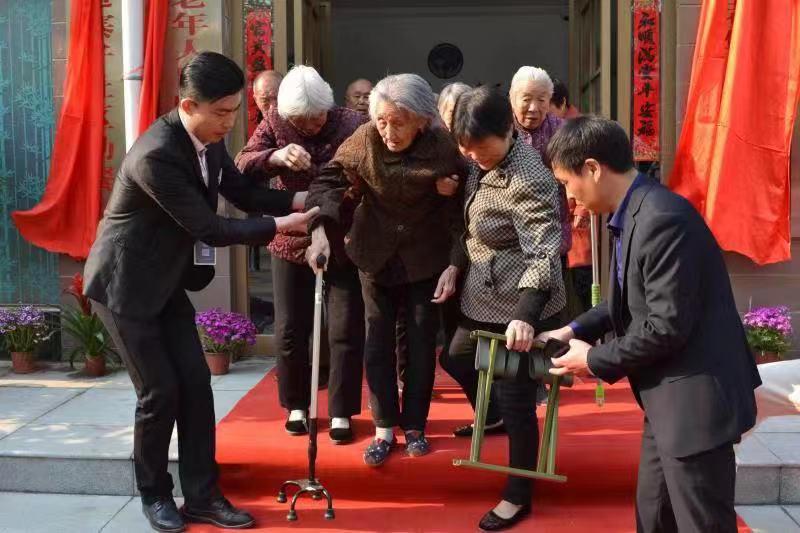"""""""温暖二七""""慈善驿站:全民""""善""""时代 引领新时尚"""